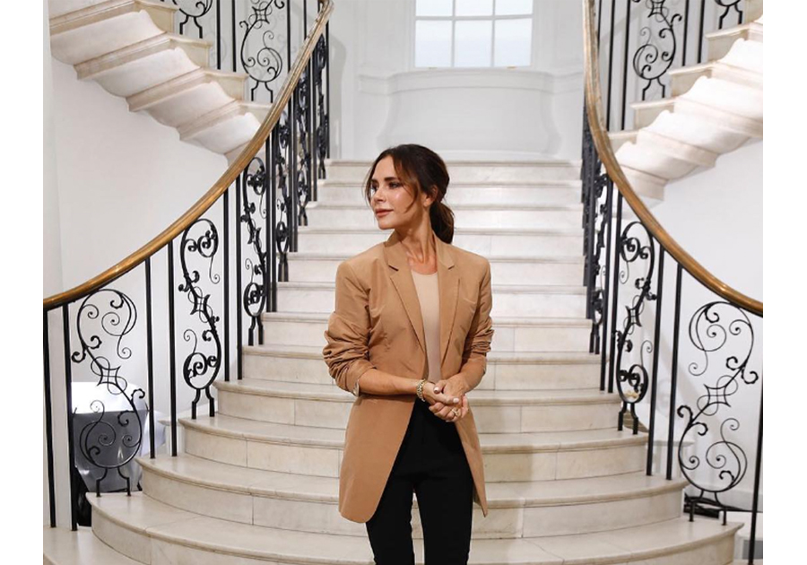 Confira como foi a estreia de Victoria Beckham nas passarelas da London Fashion Week