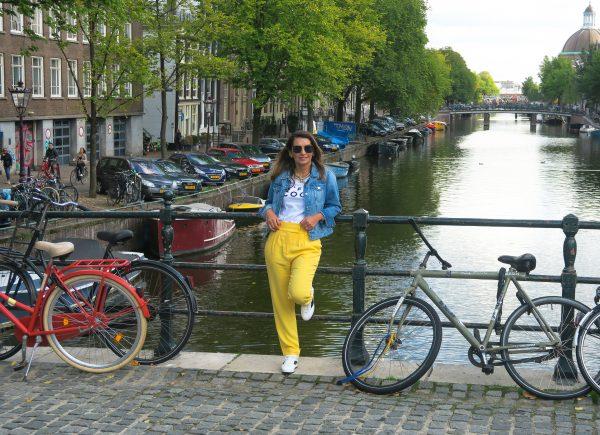 Márcia faz um tour pela emblemática Amsterdã