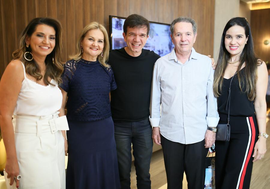 """Mirella Rocha, Waldonys e David Perdigão são estrelas das gravações do """"Conversa com Márcia Travessoni"""""""