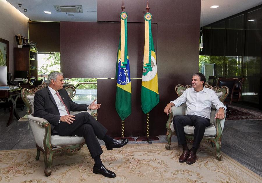 Acordo com empresa multinacional garante construção de fábrica de turbinas eólicas no Ceará
