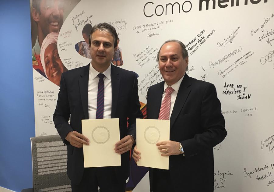 Camilo Santana assina convênio de 70 milhões de dólares com o Banco Interamericano de Desenvolvimento