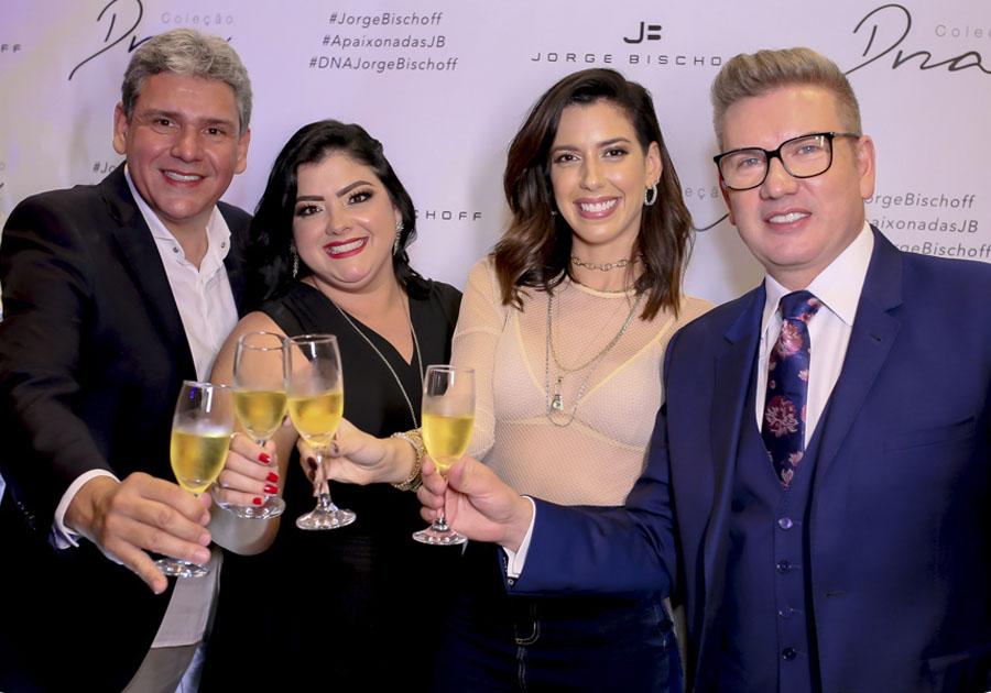 Jorge Bischoff celebra 15 anos da marca com a presença de Camila Coutinho em loja do RioMar Fortaleza; confira as fotos